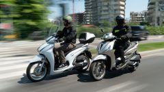 Honda vs Piaggio: chi è il Re della città tra SH350i e Beverly 300? - Immagine: 1