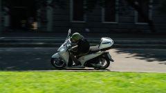 Honda vs Piaggio: chi è il Re della città tra SH350i e Beverly 300? - Immagine: 7