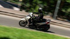 Honda vs Piaggio: chi è il Re della città tra SH350i e Beverly 300? - Immagine: 12