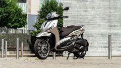 Honda vs Piaggio: chi è il Re della città tra SH350i e Beverly 300? - Immagine: 17