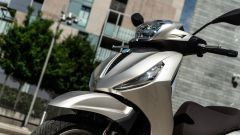 Honda vs Piaggio: chi è il Re della città tra SH350i e Beverly 300? - Immagine: 22