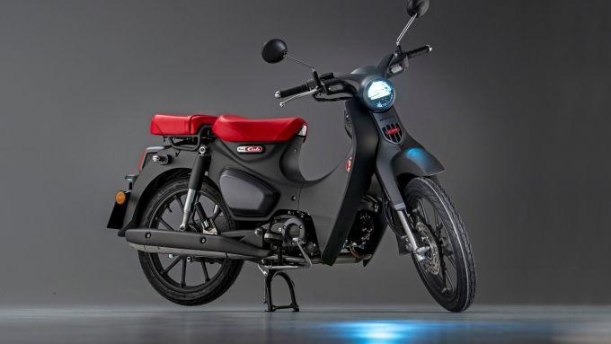 Honda Super Cub C125 2022: le luci sono full LED