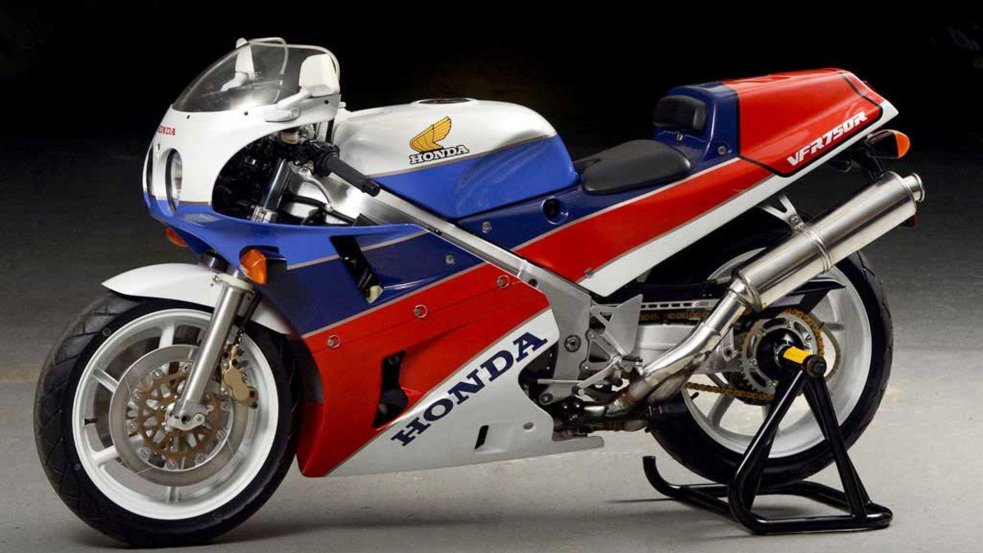 Moto storiche: Anniversari: la Honda VFR750R RC30 compie ...