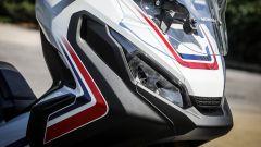Honda X-ADV: il gruppo ottico anteriore
