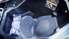 Honda X-ADV: il vano sottosella