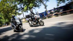 Honda X-ADV vs Yamaha TMAX 2017: testa a testa