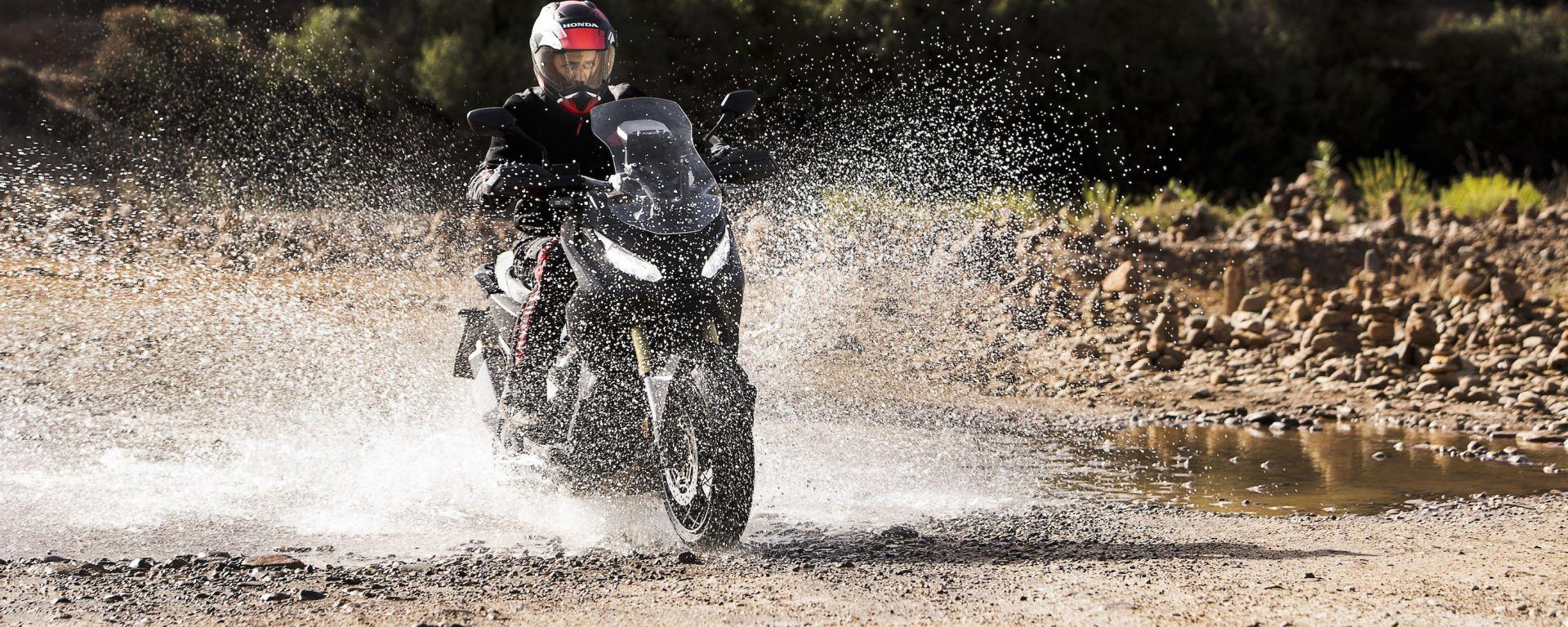 Honda X-ADV: le prime informazioni ufficiali