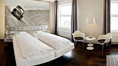 Hotel V8: quando dormire in macchina è una pacchia - Immagine: 13