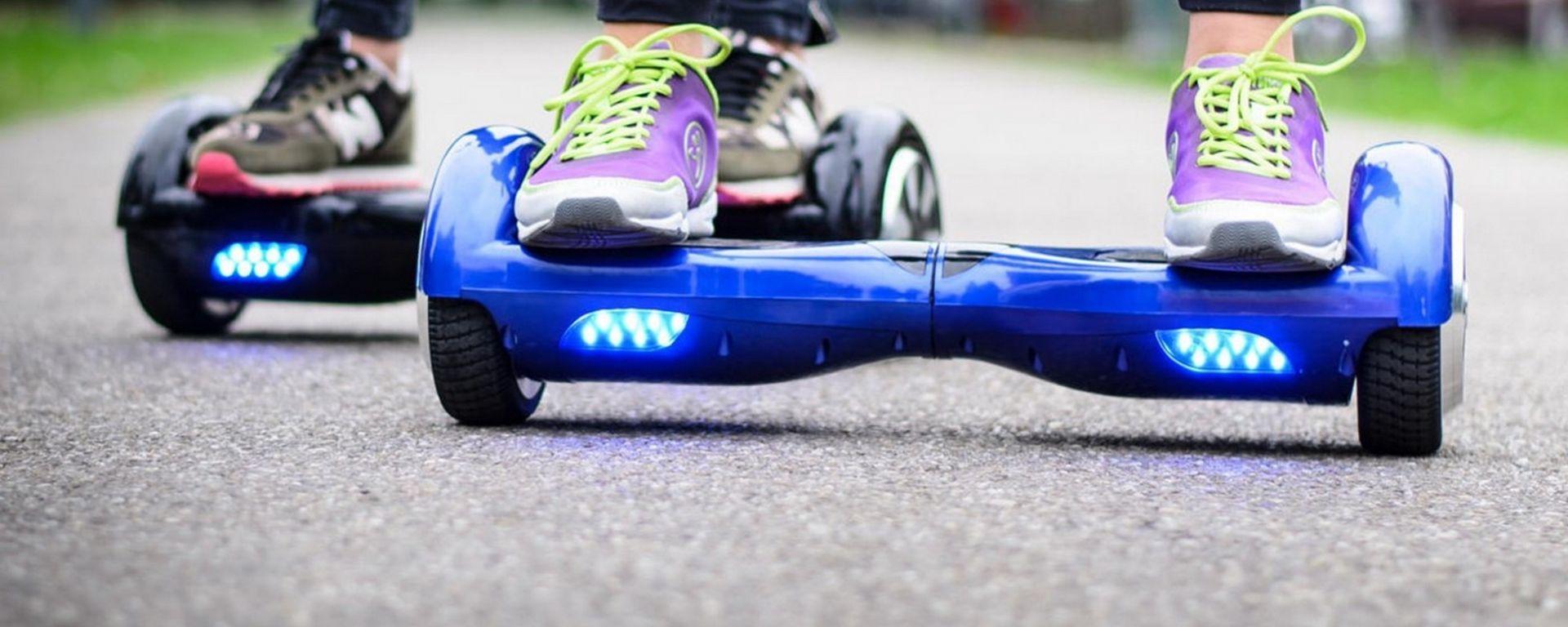 Hoverboard, rischio multa se si circola sul marciapiede
