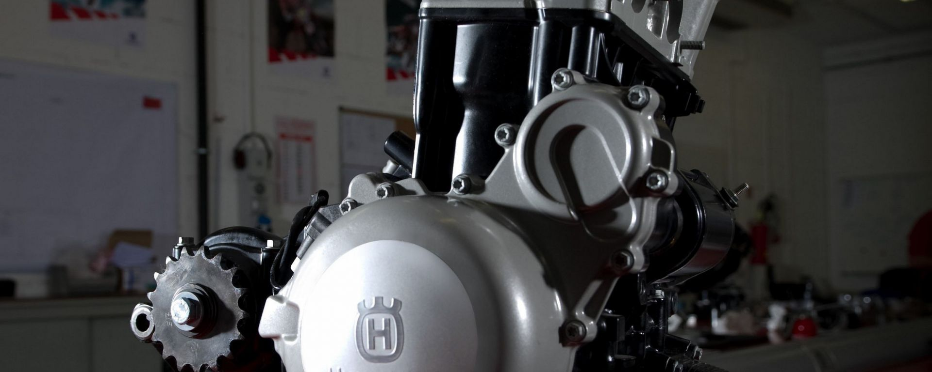 Husqvarna ecco il motore stradale