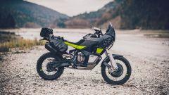 Husqvarna Norden 901: la moto è dedicata ai lunghi viaggi su strada e in fuoristrada