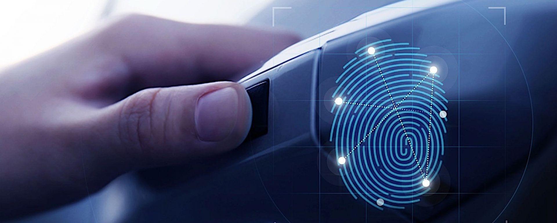 Hyundai Santa Fe: nel 2019 con serrature a impronte digitali