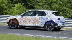 Hyundai 45 EV 2021, foto spia: niente tubi di scarico, è un'auto elettrica!