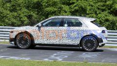 Hyundai 45 EV 2021, foto spia: ruote grandi anche per l'auto di serie