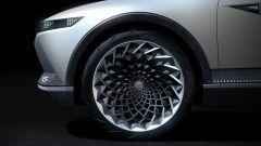 Hyundai 45 EV Concept 2019, ruote grandi, per un look quasi da coupé