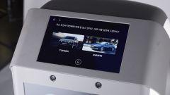 Hyundai DAL-e: lo schermo touch sulla testa
