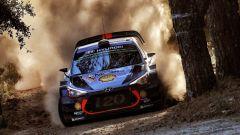 Hyundai e Neuville - WRC 2017, Rally Italia Sardegna