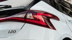 Hyundai i20 1.0 T-GDI 48V Hybrid Bose, gruppo ottico posteriore