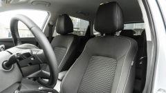 Hyundai i20 1.0 T-GDI 48V Hybrid Bose, i sedili anteriori