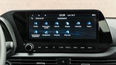 Hyundai i20 1.0 T-GDI 48V Hybrid Bose, lo schermo dell'infotainment