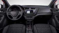 Hyundai i20 e i20 Active 2018: oltre al restyling c'è di più - Immagine: 10