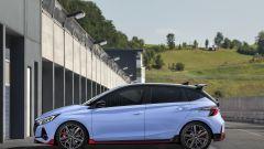 Hyundai i20 N 2021: vista laterale