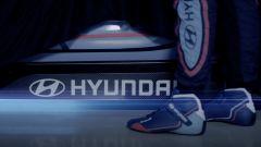 Hyundai, il teaser di presentazione della nuova vettura elettrica da corsa che sarà svelata a Francoforte
