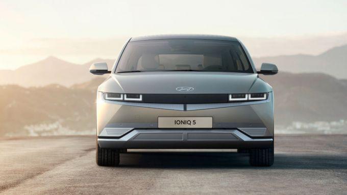 Hyundai Ioniq 5: il frontale