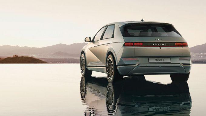Hyundai Ioniq 5: posteriore