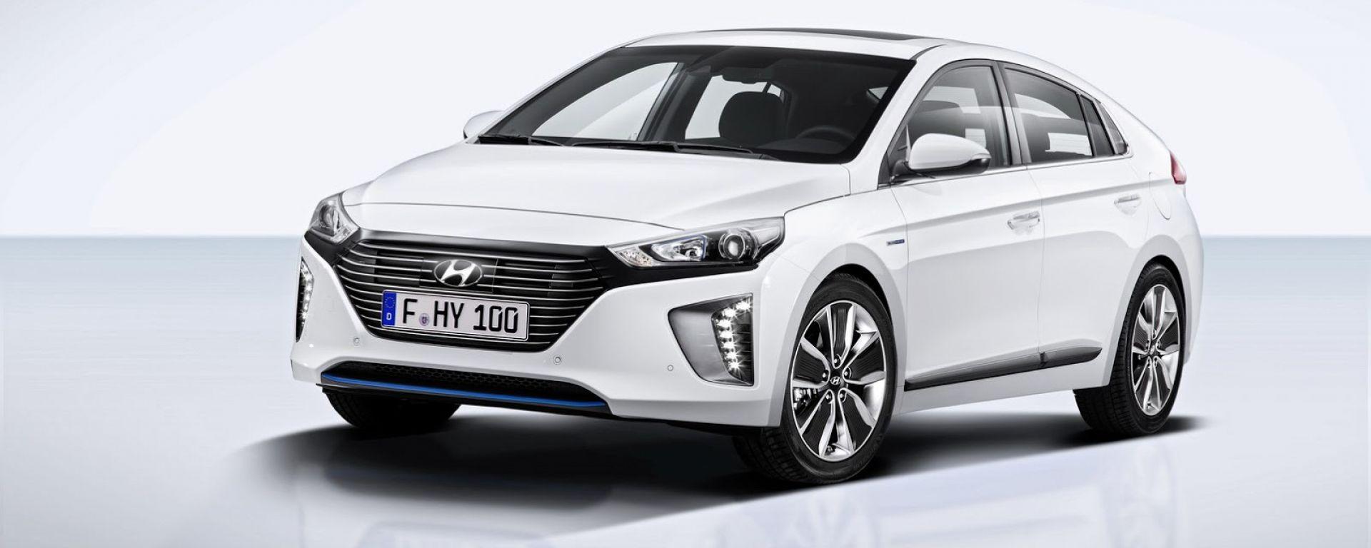 Hyundai Ioniq: foto ufficiali e primi dati tecnici