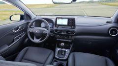 Hyundai Kona 2021 Full Hybrid: gli interni