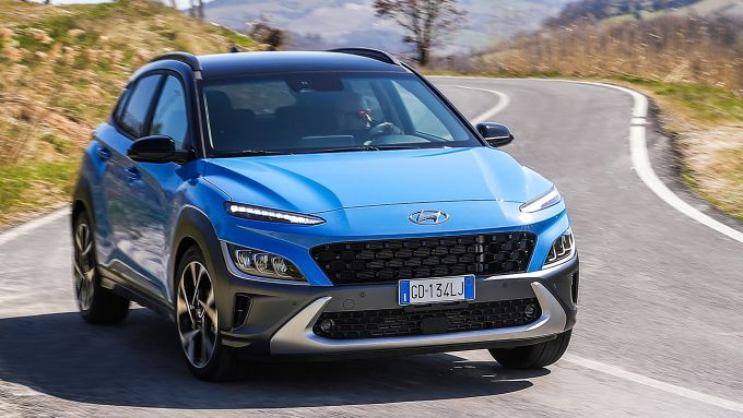 Hyundai Kona 48V 2021: frontale