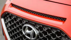 Hyundai Kona - dettaglio griglia anteriore