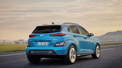 Hyundai Kona Electric 2021: 3/4 posteriore