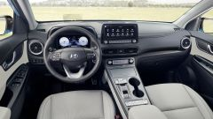 Hyundai Kona Electric 2021, interni: abitacolo, la plancia