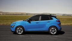 Hyundai Kona Electric 2021: vista laterale