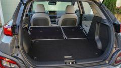 Hyundai Kona Electric: bagagliaio con sedili reclinati