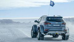 Hyundai Santa Fe in Antartide: le speciali gomme erano gonfiate a 1/10 della pressione normale