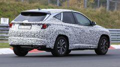 Hyundai Tucson 2021: vista di 3/4 posteriore