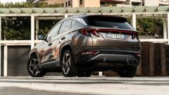 Hyundai Tucson Hybrid 2021: 3/4 posteriore