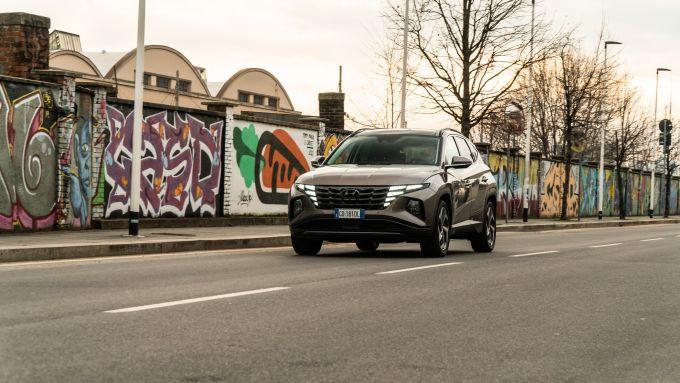 Hyundai Tucson Hybrid 2021 su strada