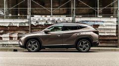 Hyundai Tucson Hybrid 2021: vista laterale