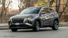 Hyundai Tucson Hybrid 2021, la prova: consumi, pregi e difetti