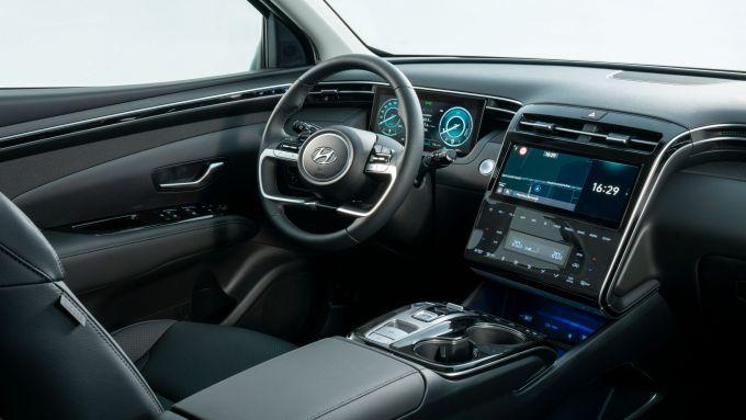 Hyundai Tucson Plug-in Hybrid: il posto guida