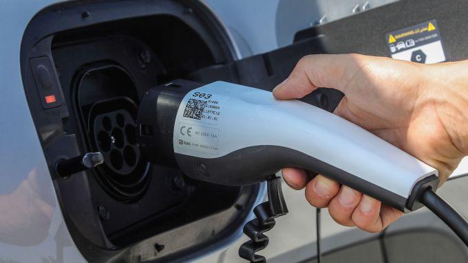 Hyundai Tucson Plug-in Hybrid: ricarica da 7,2 kW di serie
