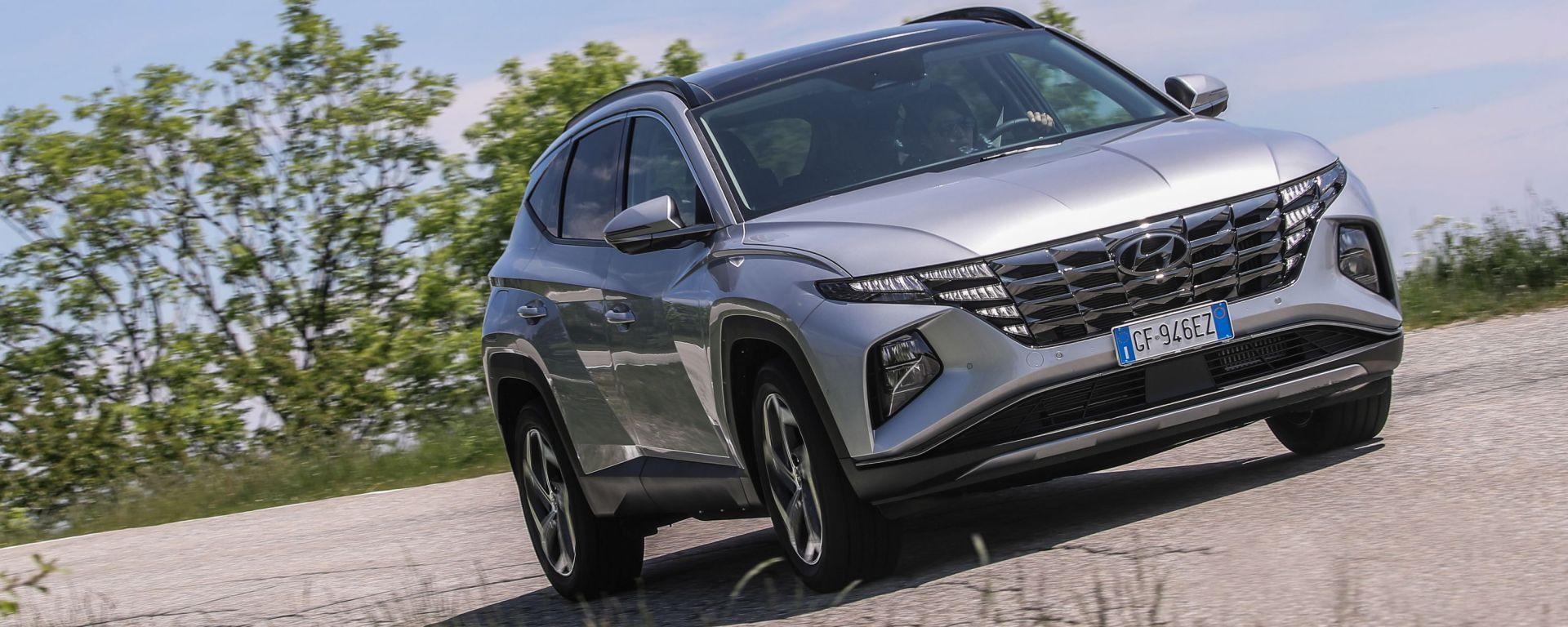Hyundai Tucson Plug-in Hybrid: visuale di 3/4 anteriore