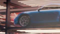 I cerchi dal design sportivo e lo splitter anteriore della nuova Porsche 911 GT3