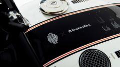 I dettagli del serbatoio della Freedom Edition, l'Harley-Davidson Street Rod 750 in edizione limitata per il Giappone