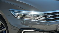 I fari a matrice di LED di Volkswagen Passat Variant Hybrid Plug-In GTE
