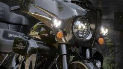 I fari anteriori della Indian Roadmaster Jack Daniel's Limited Edition